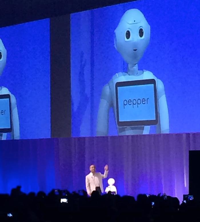ロボットpepper(ペッパー)と孫正義さん